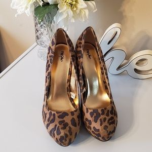 Like New ~ Mossimo Animal Print Platforms